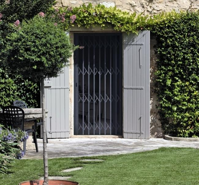 Installation vente pose r paration depannage stores for Reparation porte d entree